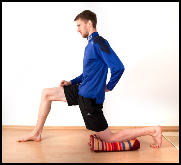 hip flexor exercising with band